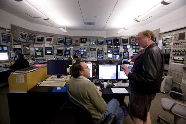 (Photo - SLAC's Main Control Center)