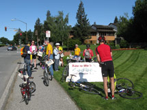 (Photo - cyclists and volunteers at SLAC Bike to Work Day 2009)