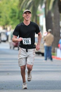 (Photo - Chris McGuinness runs the Catalina Marathon.)